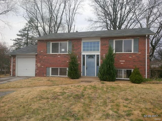 65 Bernie Circle, Maryland Heights, MO 63043