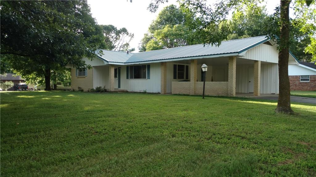 1465 S Paradise LN, Fayetteville, AR 72701
