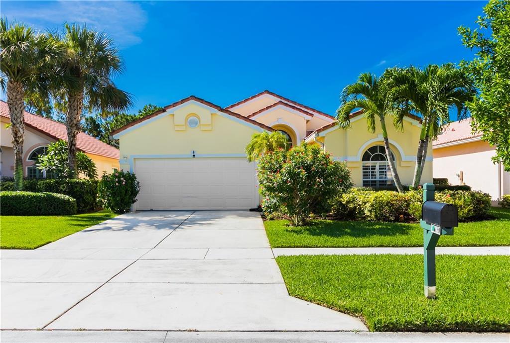 7031 SE Twin Oaks Circle, Stuart, FL 34997