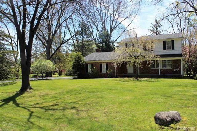365 APPLE HILL LN, Rochester Hills, MI 48306