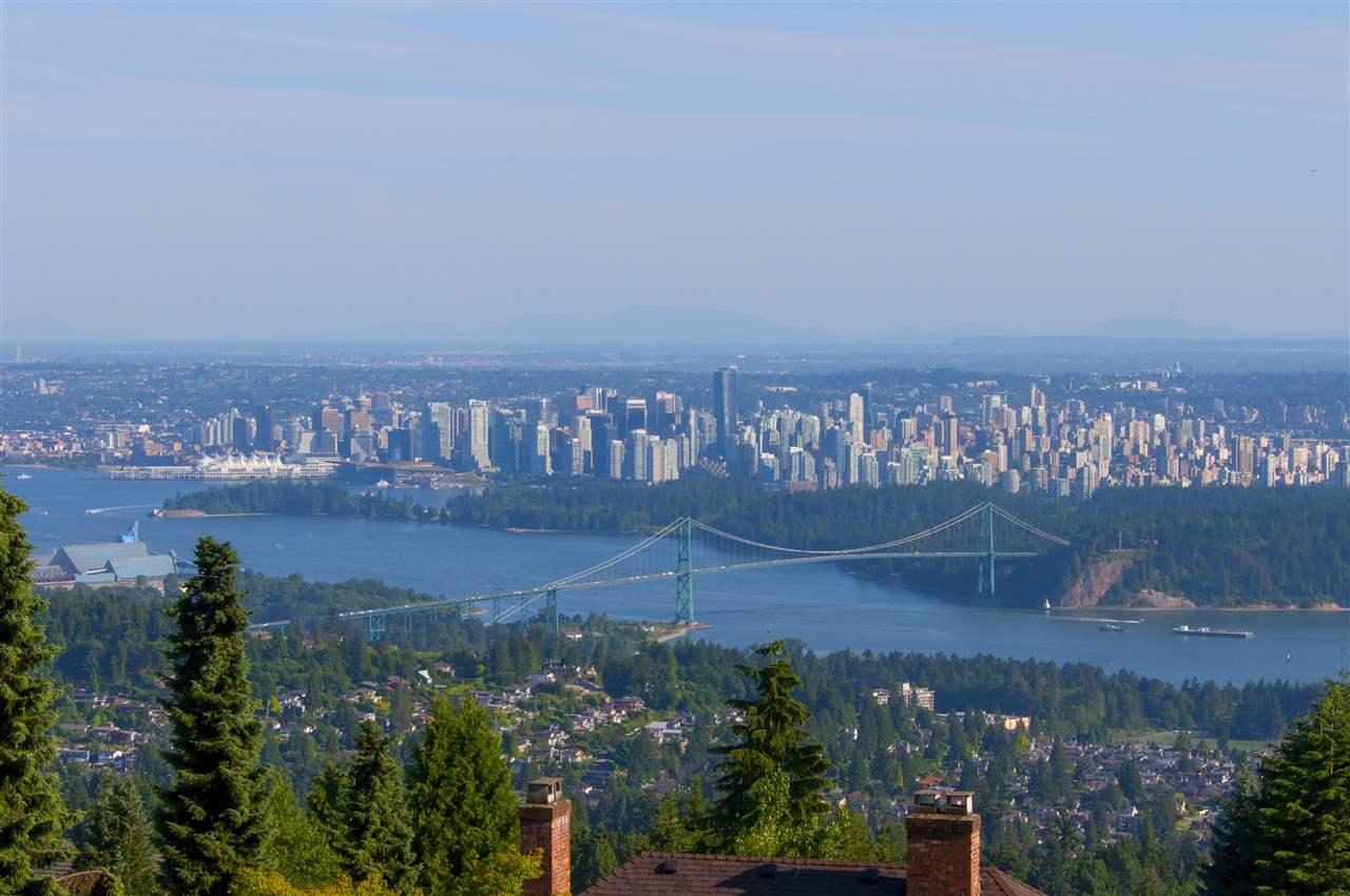1525 VINSON CREEK ROAD, West Vancouver, BC V7S 2Y4