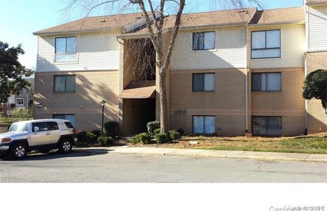 4816 Spring Lake Drive E, Charlotte, NC 28212