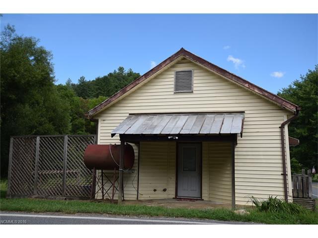 1174 Clearmont School Road, Burnsville, NC 28714