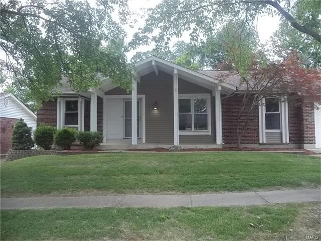 5545 Windford, St Louis, MO 63129