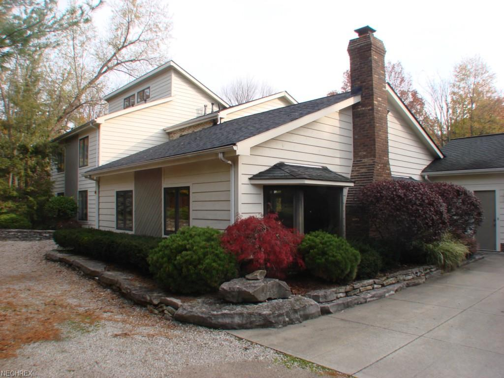 10785 Tanglewood Trl, Concord, OH 44077