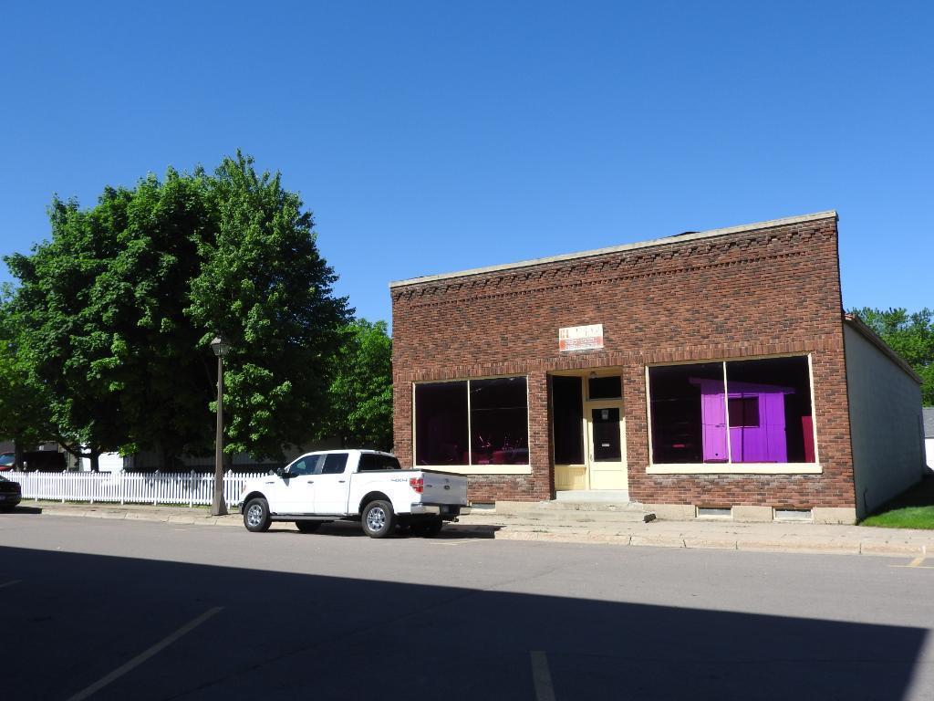 27 Juniper Street N, Lester Prairie, MN 55354