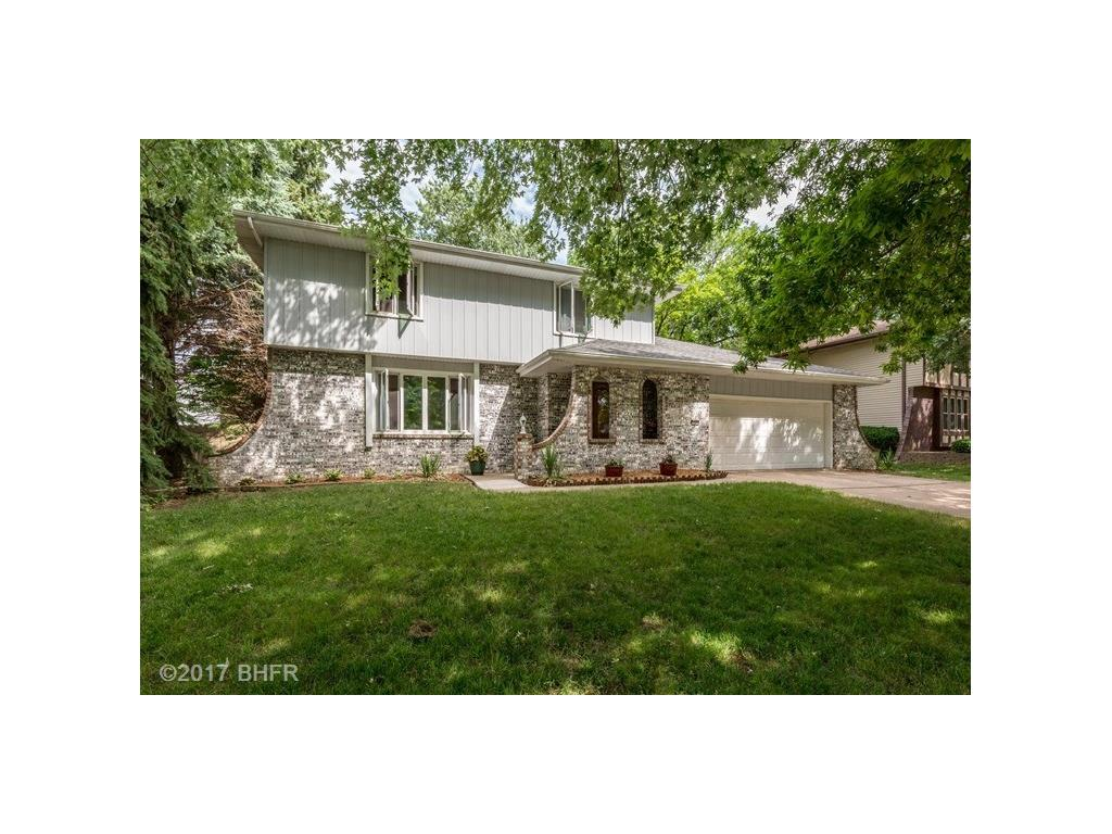 1551 NW 108th Street, Clive, IA 50325