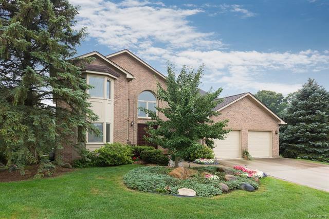 2129 CLINTON VIEW Circle, Rochester Hills, MI 48309