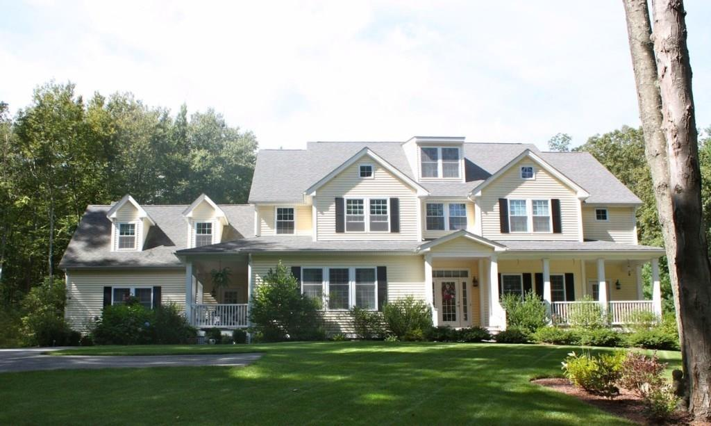 372 Abbott Run Valley RD, Cumberland, RI 02864