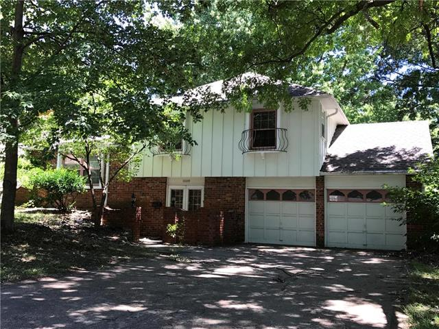 10009 W 92nd Place, Overland Park, KS 66212