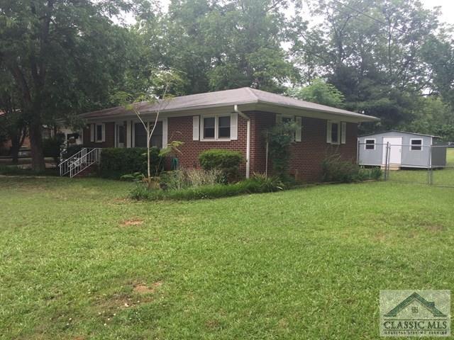 16 Cedar Street, Hartwell, GA 30643