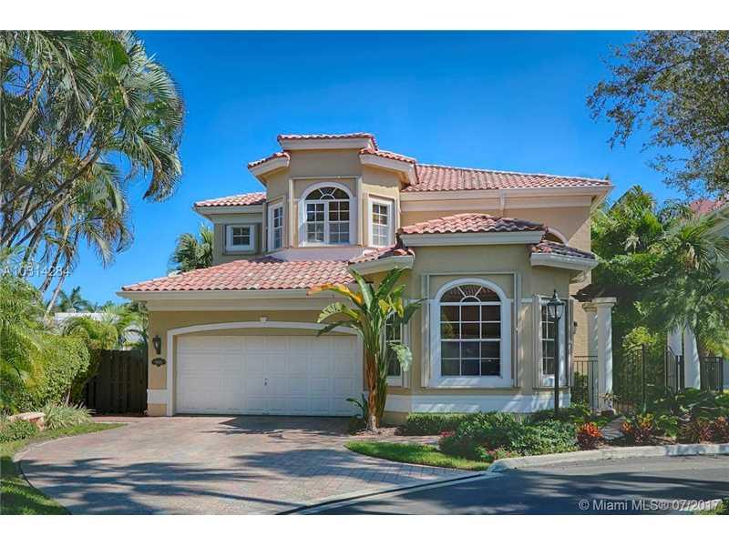 19485 NE 39th Ave, Sunny Isles Beach, FL 33160