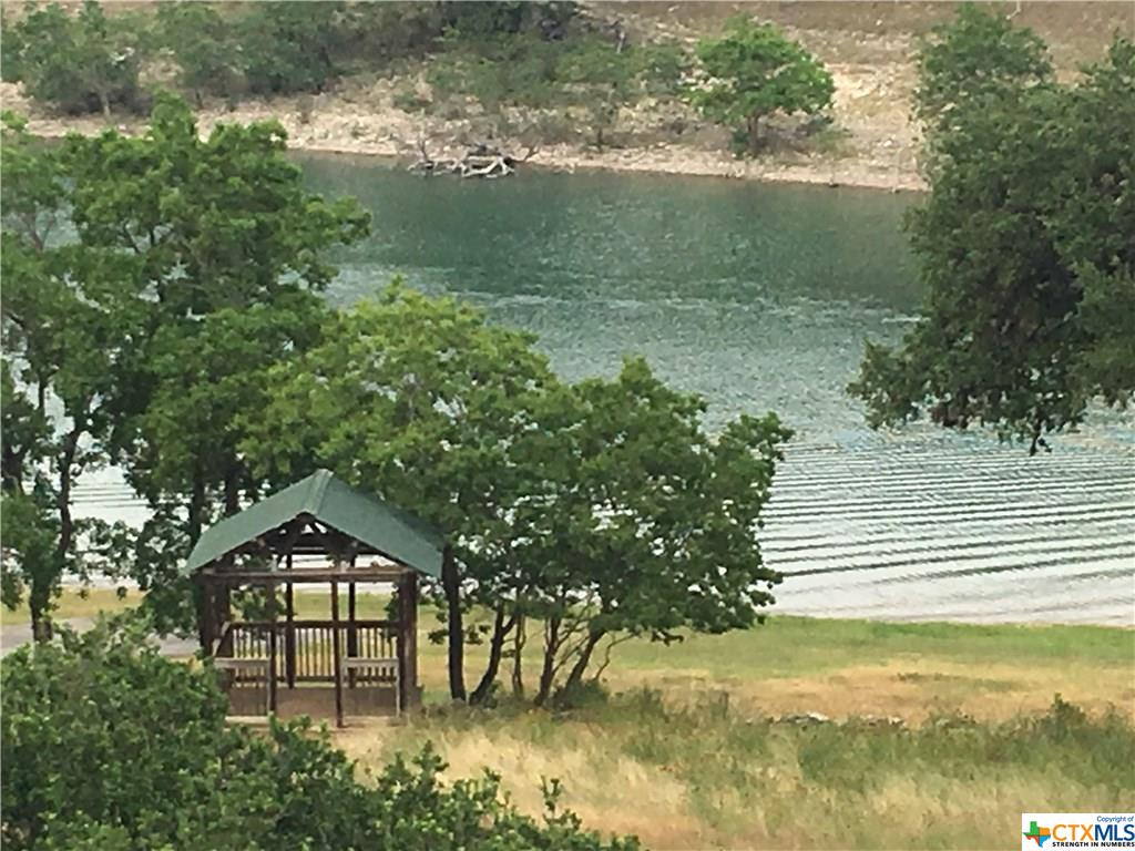 351 Spanish Oak Esplanade, Canyon Lake, TX 78133