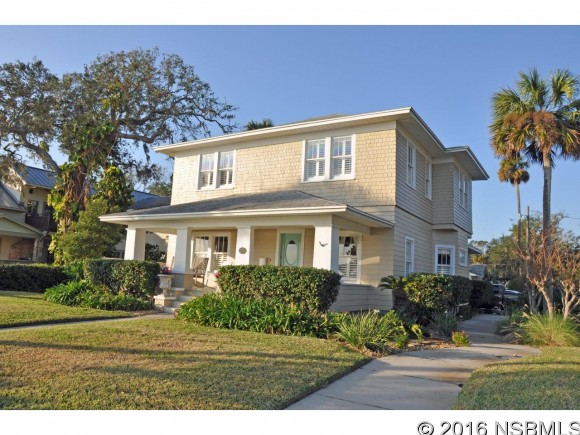 900 Riverside Dr, New Smyrna Beach, FL 32168