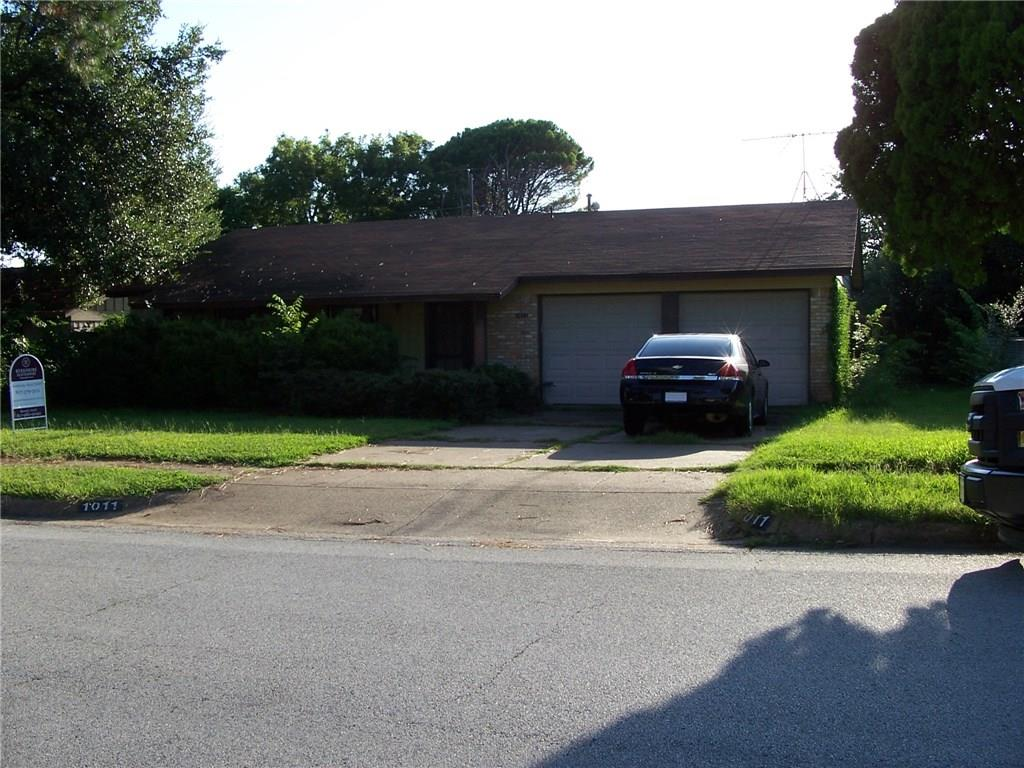 1011 N Ector Drive, Euless, TX 76039