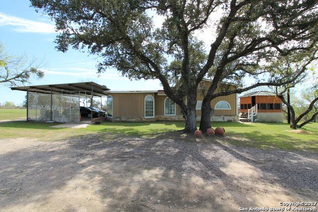 218 SHAMROCK DRIVE, Floresville, TX 78114