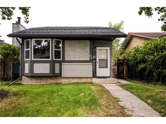 44 ABBERFIELD Crescent NE, Calgary, AB T2A 6N6