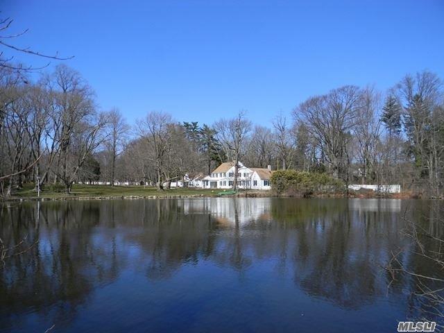28 Factory Pond Rd, Lattingtown, NY 11560
