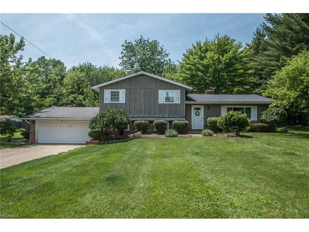 12588 Harold Dr, Chesterland, OH 44026