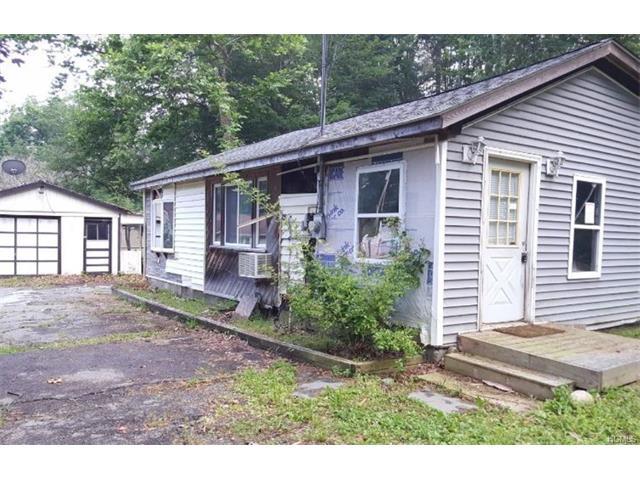 4 Old Road, Cuddebackville, NY 12729