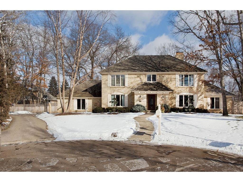 5215 Green Farms Court, Edina, MN 55436