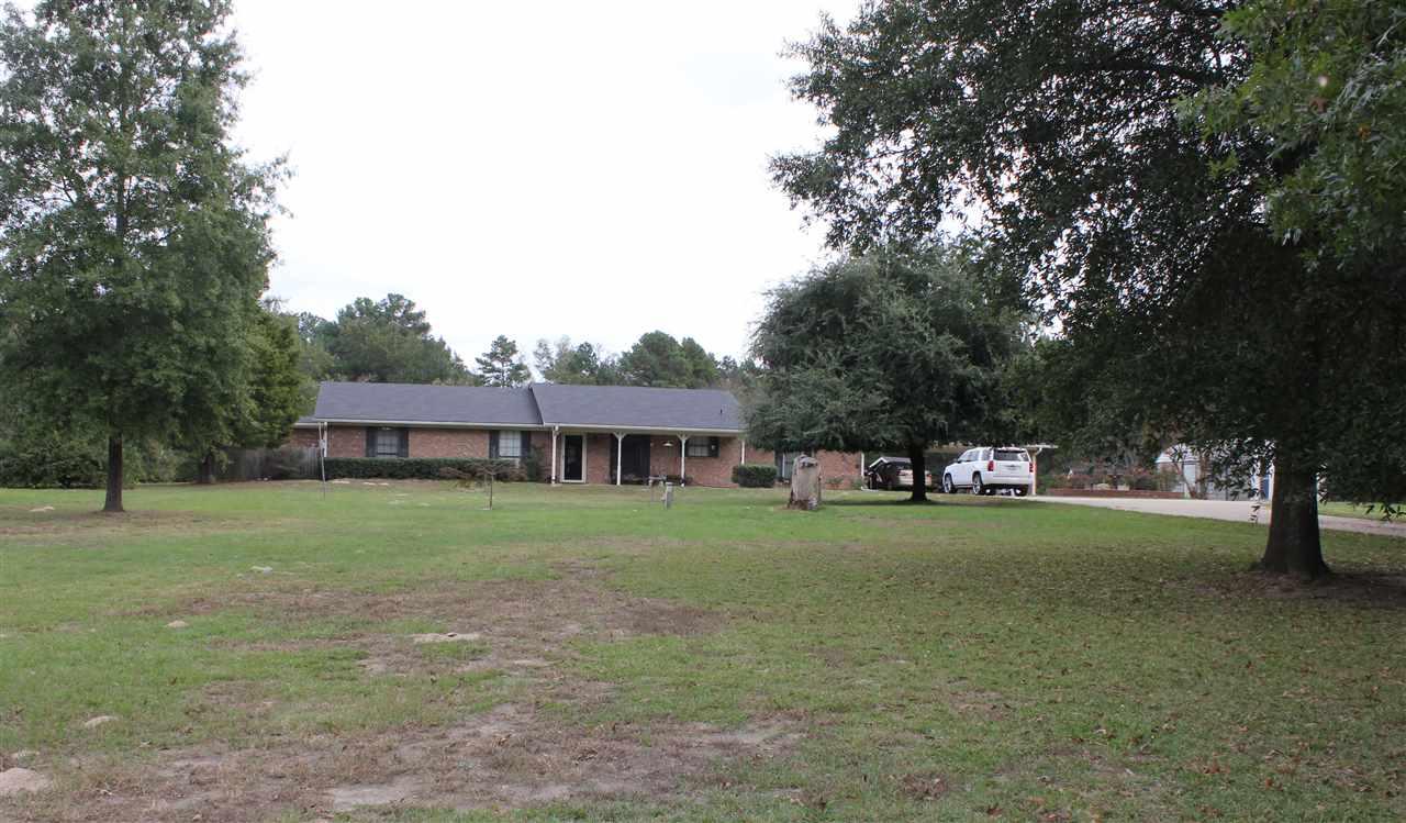 1605 Limetree Rd, Gilmer, TX 75644