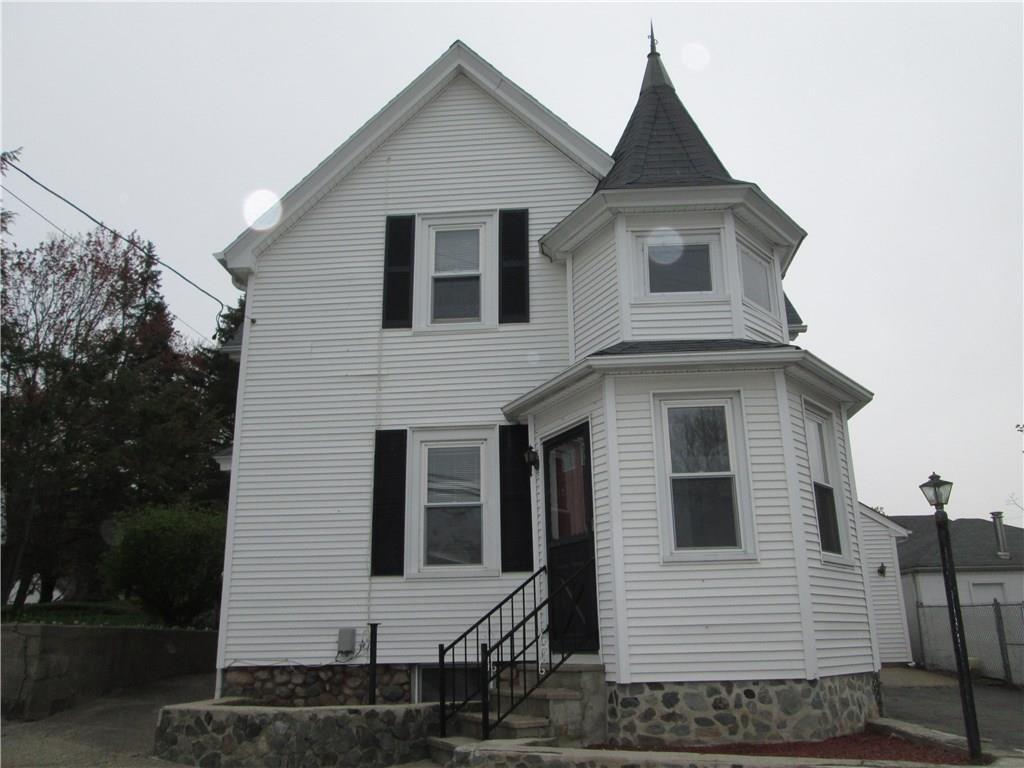 1 COBBLE HILL RD, Lincoln, RI 02865