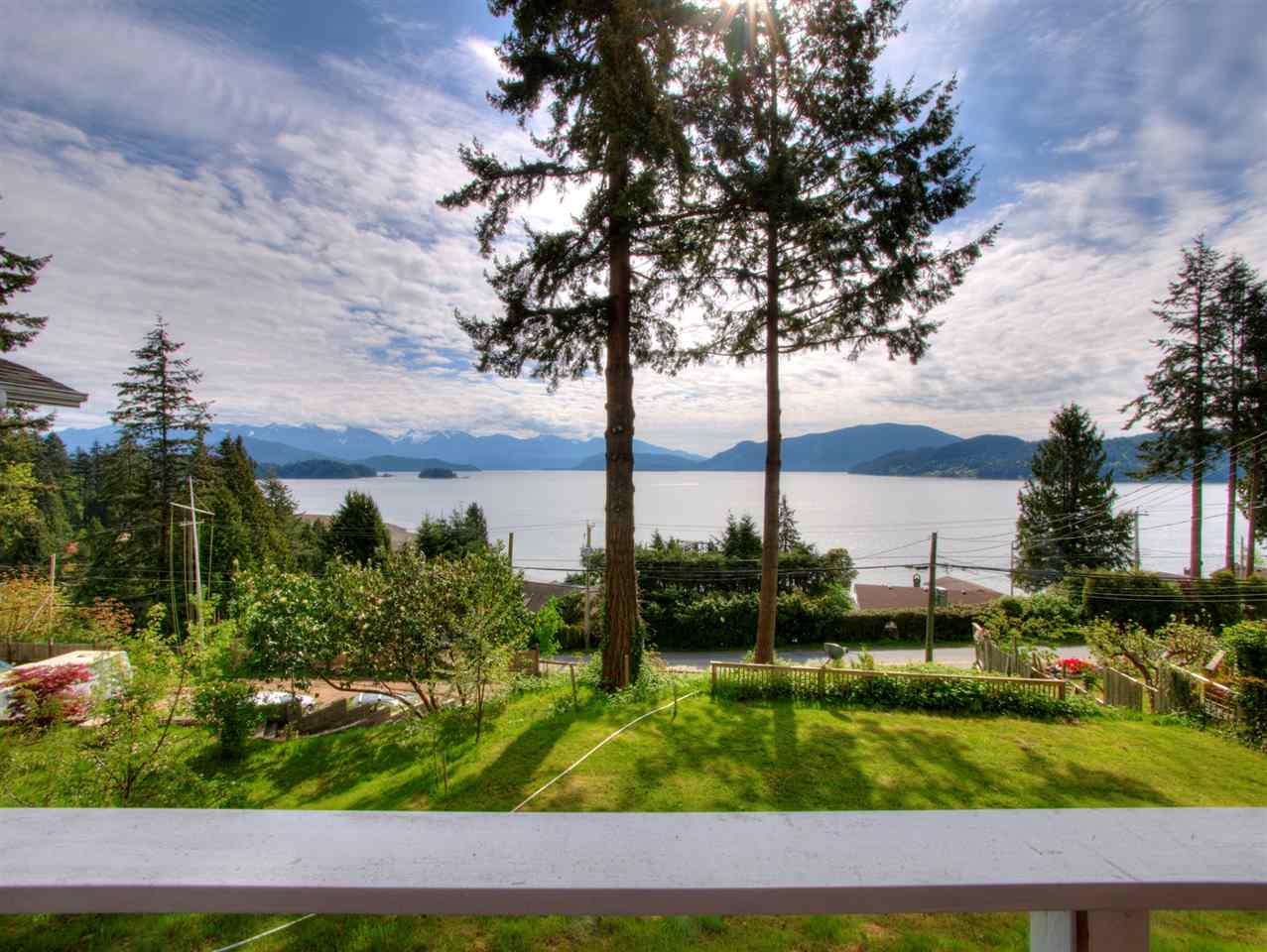 1798 NORTH ROAD, Gibsons, BC v0n 1v1