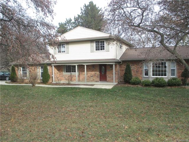 3570 W LONG LAKE RD, West Bloomfield Twp, MI 48323