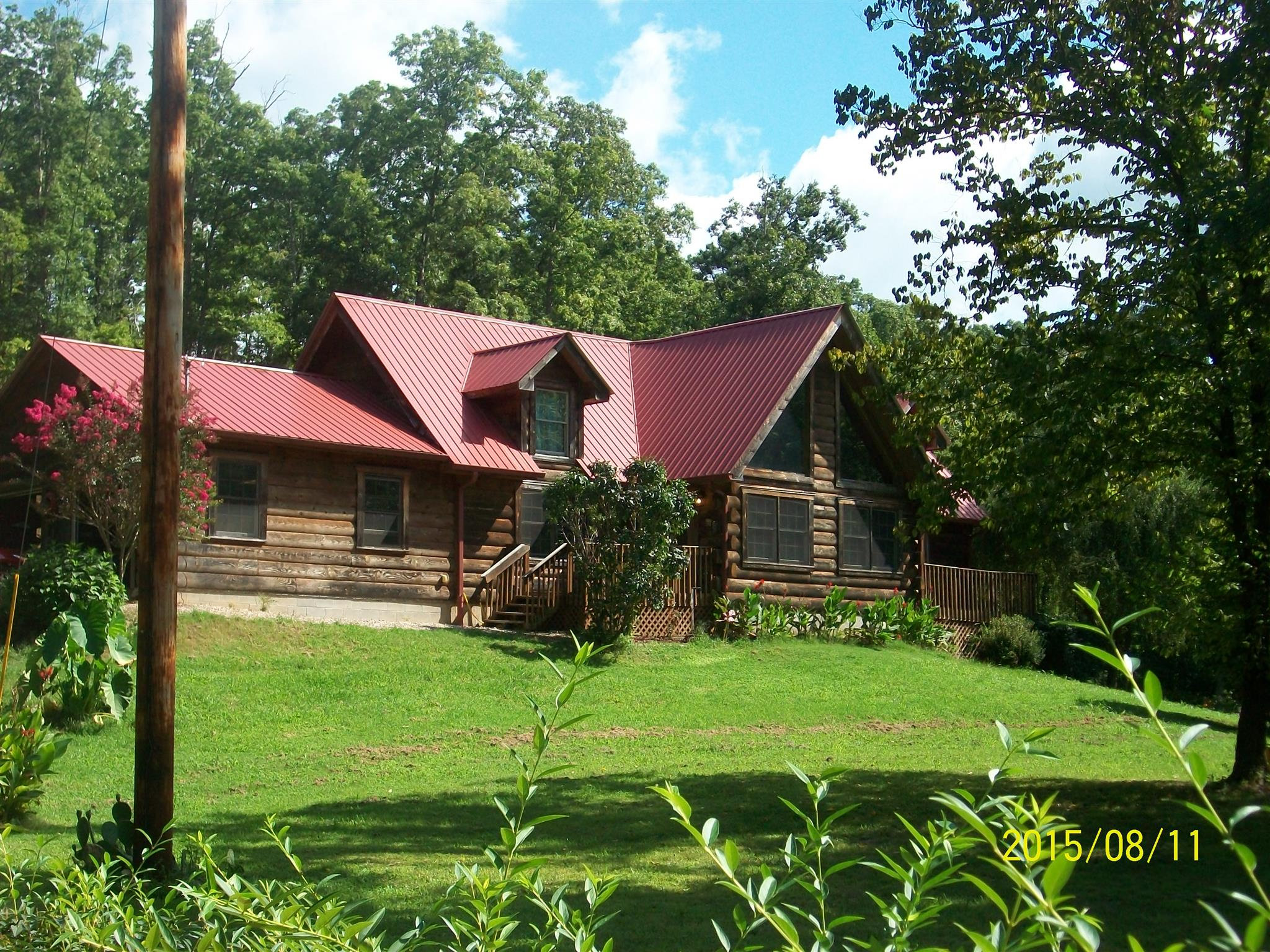728 Green Hollow Rd, Linden, TN 37096