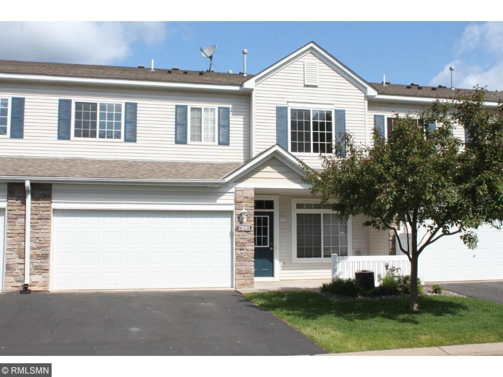 739 Maple Hills Drive H, Maplewood, MN 55117