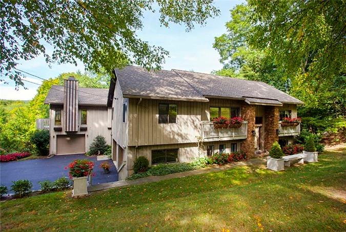 8 Atchison Cove Road, Sherman, CT 06784