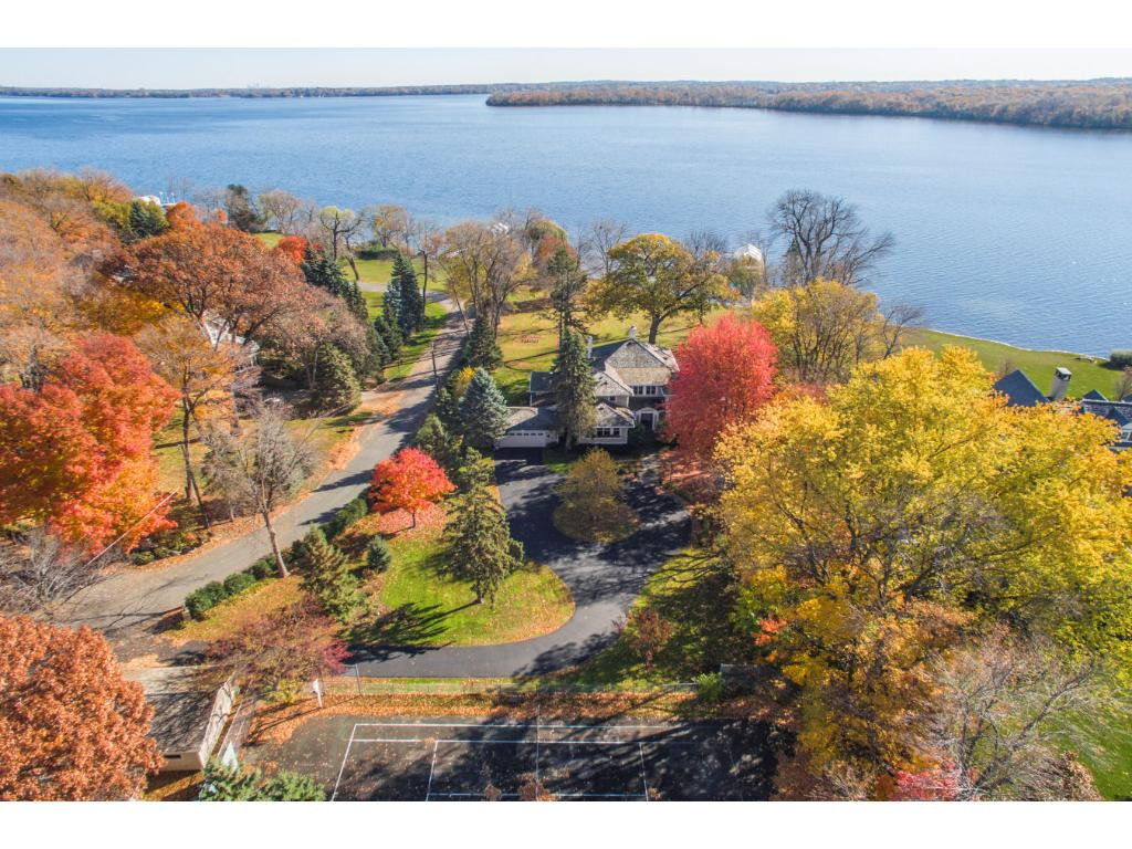 2201 Huntington Point Road E, Minnetonka Beach, MN 55391