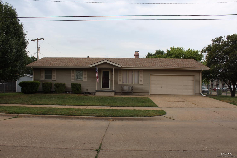 1120 Albert Avenue, Salina, KS 67401