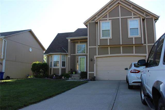 1027 N Troost Avenue, Olathe, KS 66061