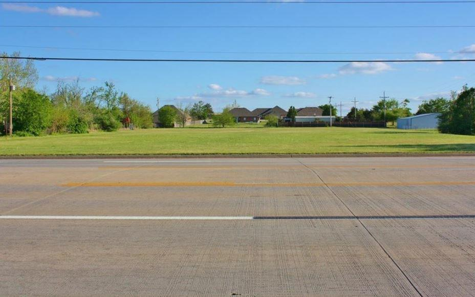 1248 W State Highway 152, Mustang, OK 73099