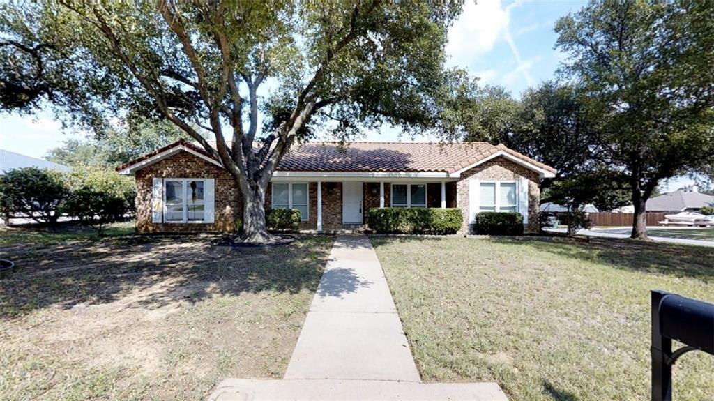 2800 Hurstview Drive, Hurst, TX 76054