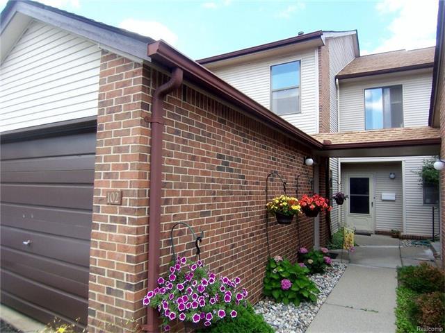 6720 RIDGEFIELD Circle 102, West Bloomfield Twp, MI 48322