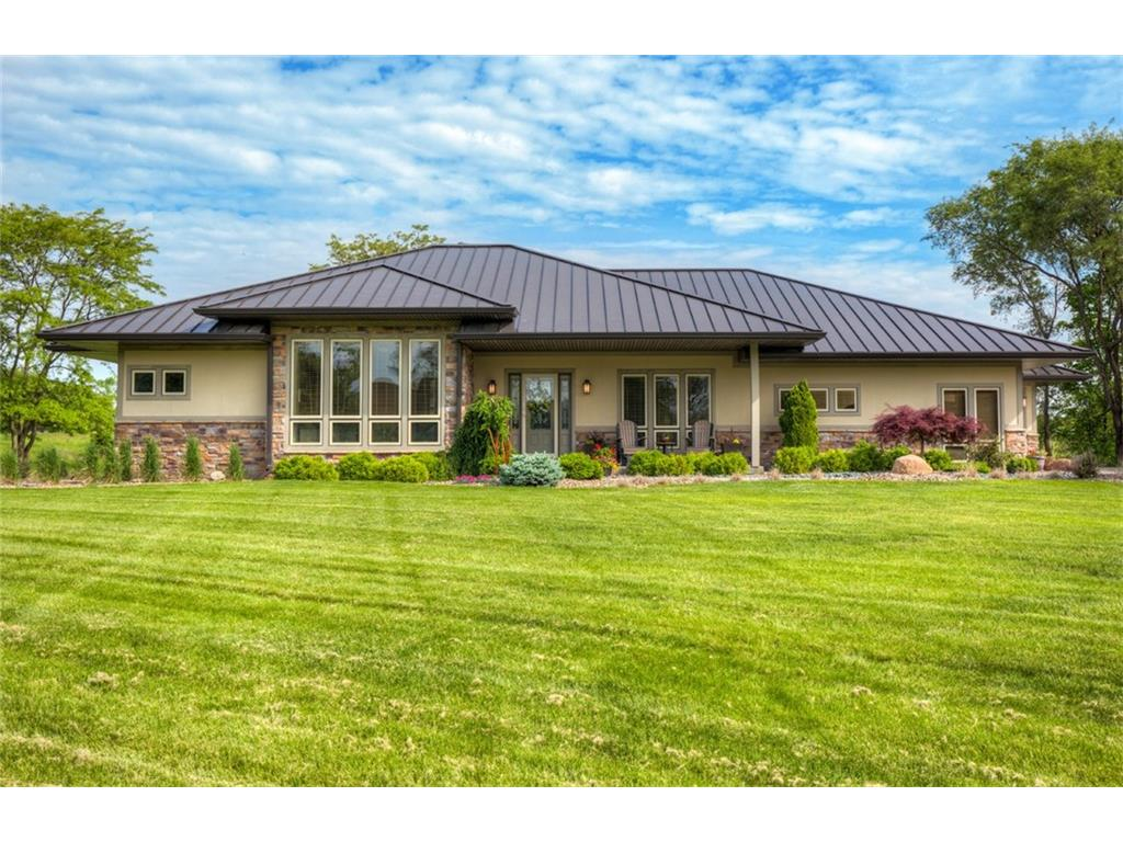 31277 Chardonnay Point, Waukee, IA 50263