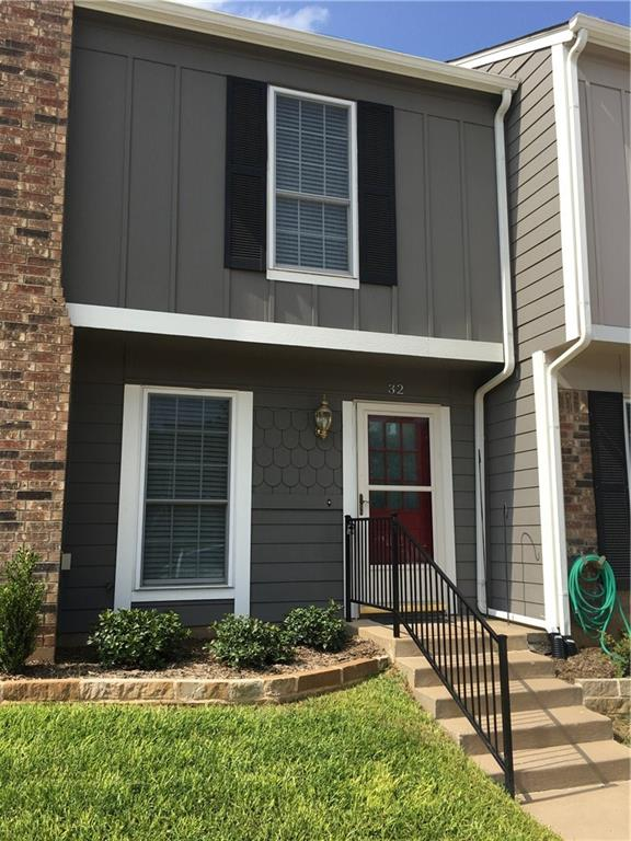 32 Abbey Road, Euless, TX 76039
