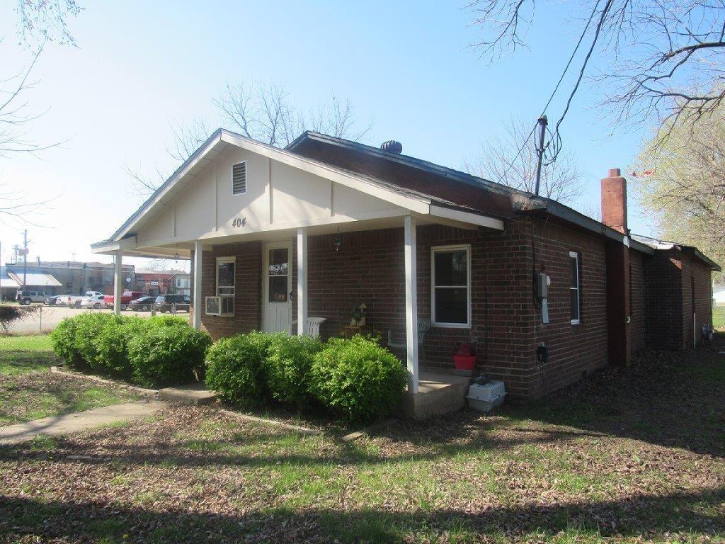 404 E Division ST, Westville, OK 74965