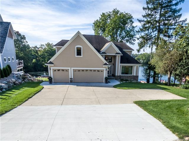 437 INDIANWOOD RD, Orion Twp, MI 48362