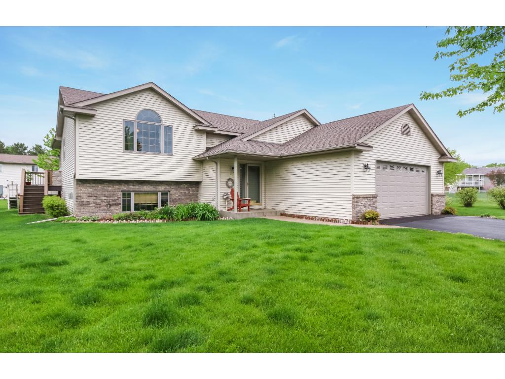106 French Court, Roberts, WI 54023