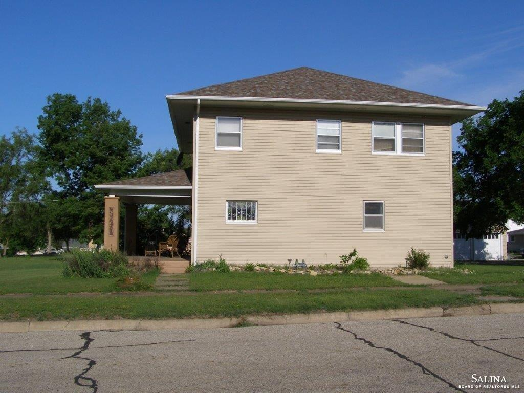 914 N Colorado Street, Ellsworth, KS 67439