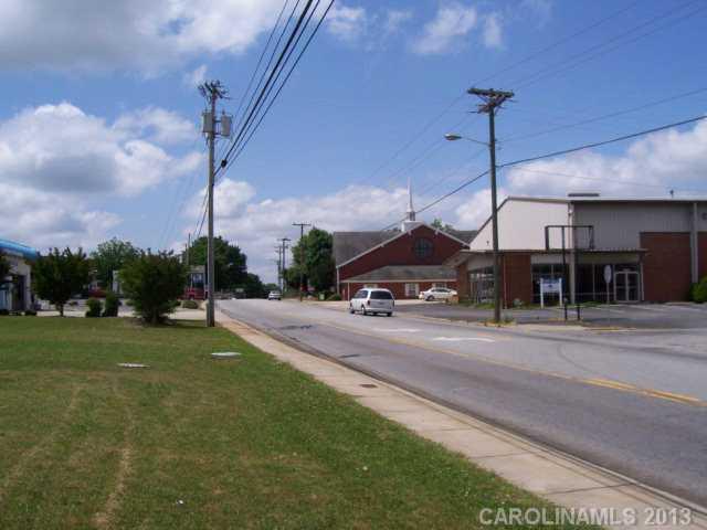 1215 S Main Street, Lexington, NC 27292