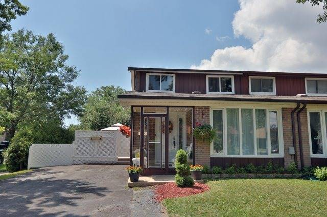 2366 Padstow Cres, Mississauga, ON L5J 2G4