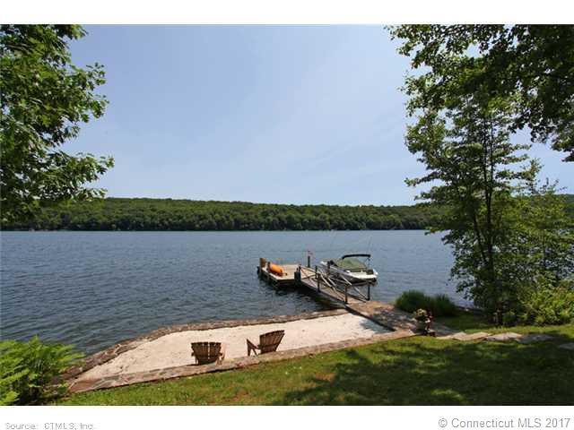 52 Sail Harbour Dr, New Fairfield, CT 06812