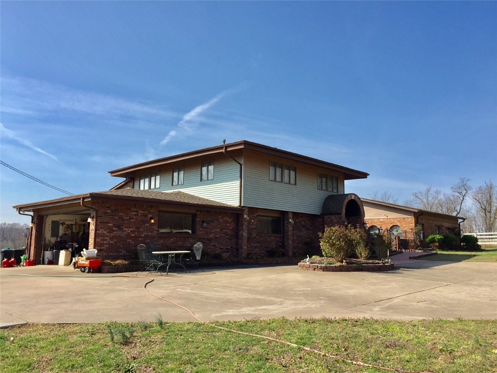 573 W Reed Valley RD, Fayetteville, AR 72704