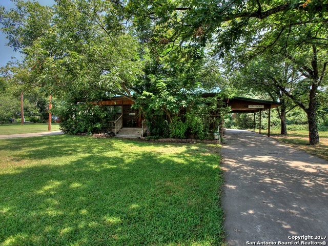 345 Pecan Grove Ln, Horseshoe Bay, TX 78657