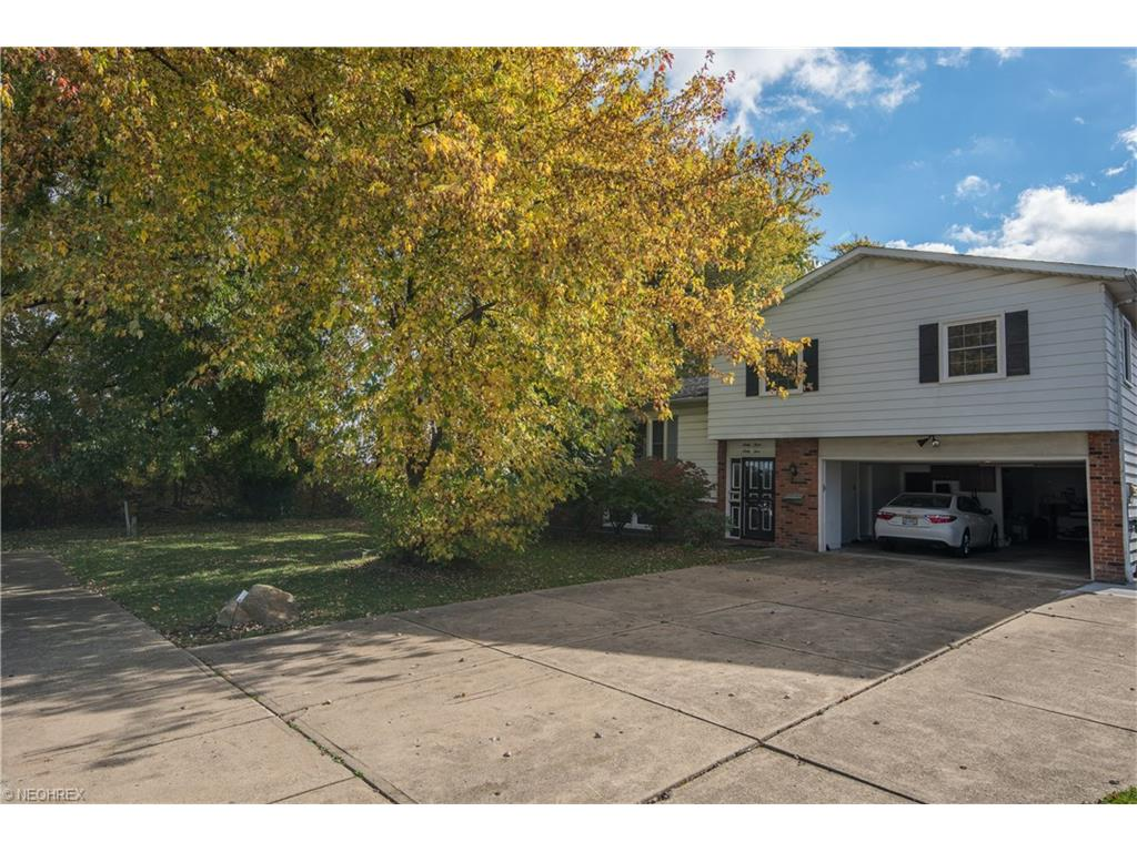 6364 Maplewood Rd, Mayfield Heights, OH 44124